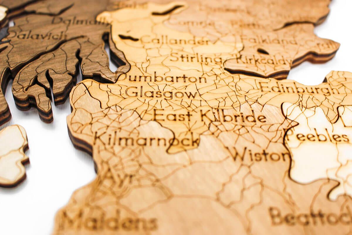 Nástěnná dřevěná mapa Velké Británie