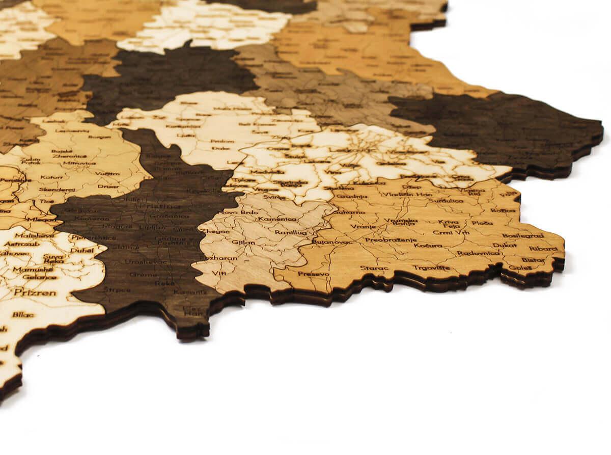 Dřevěná mapa Srbska